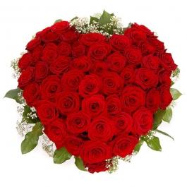 Srdce z rudých růží